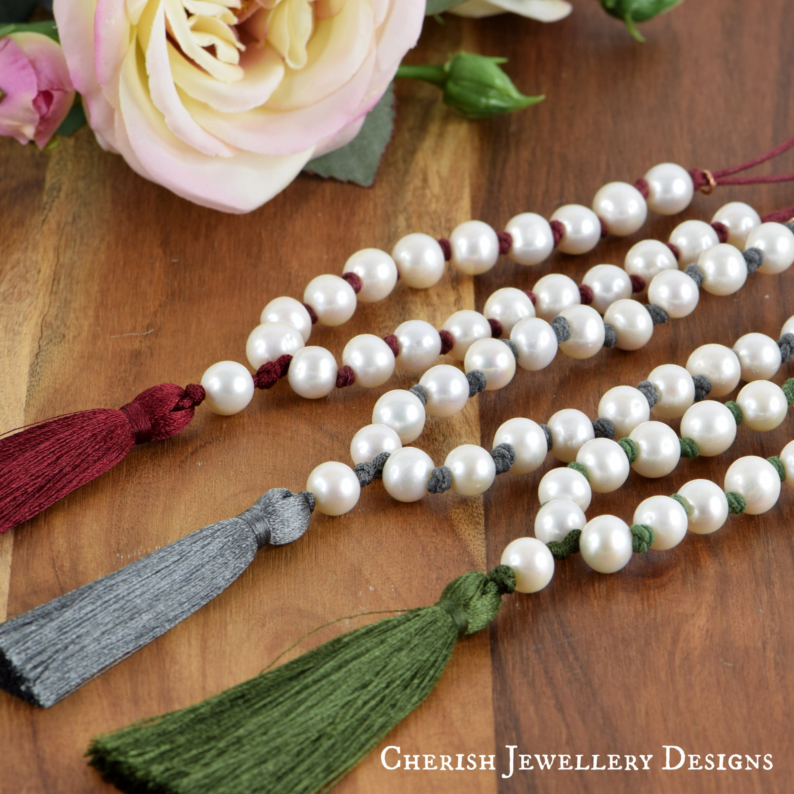 Lillian Pearl & Tassel Necklace - Grey