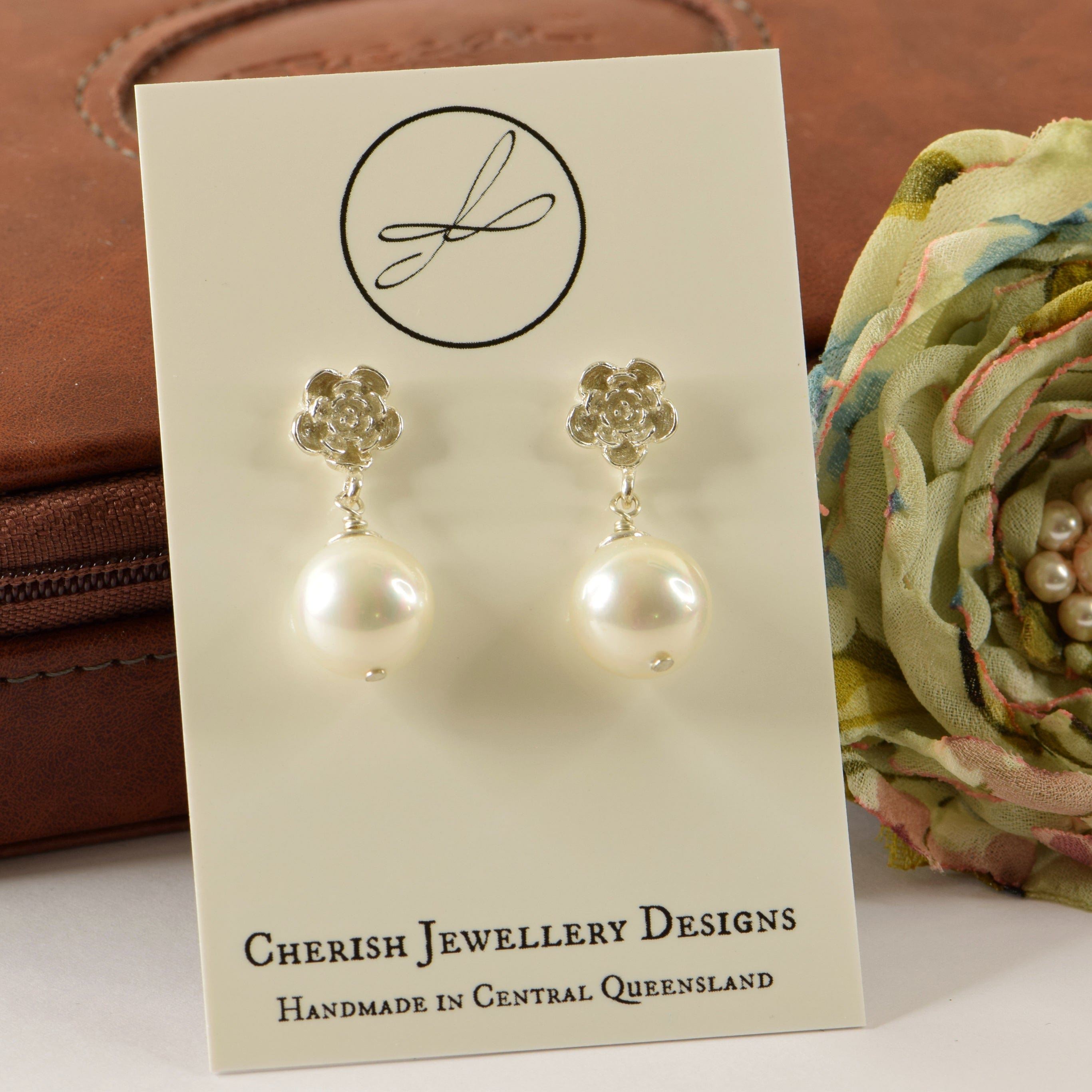 Pearl on Flower Stud Earrings