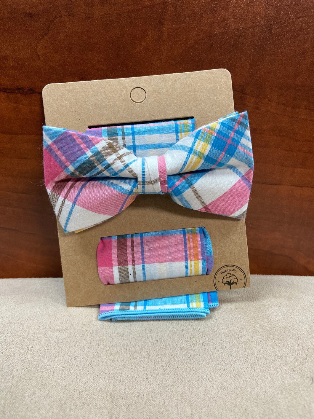 White Plaid Bow Tie with Pocket Square