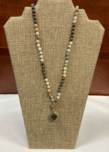 Load image into Gallery viewer, Golden Stone Lariat Necklace