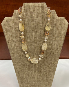 Creamy Pearl Necklace