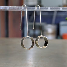 Load image into Gallery viewer, Circle Silver Compliment Earrings