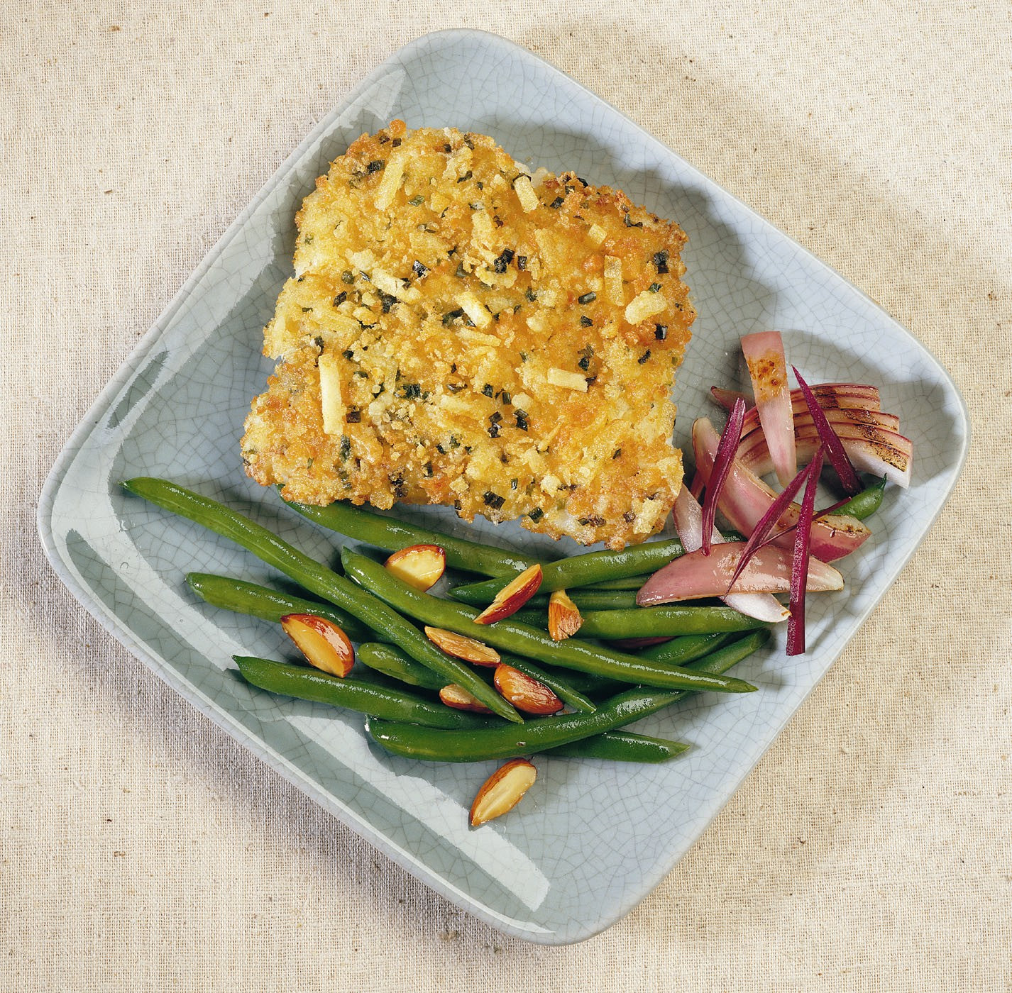 High Liner Frozen Potato Cheddar Chive Crusted Cod Fillet - 1 Pack [$11.05/lb]