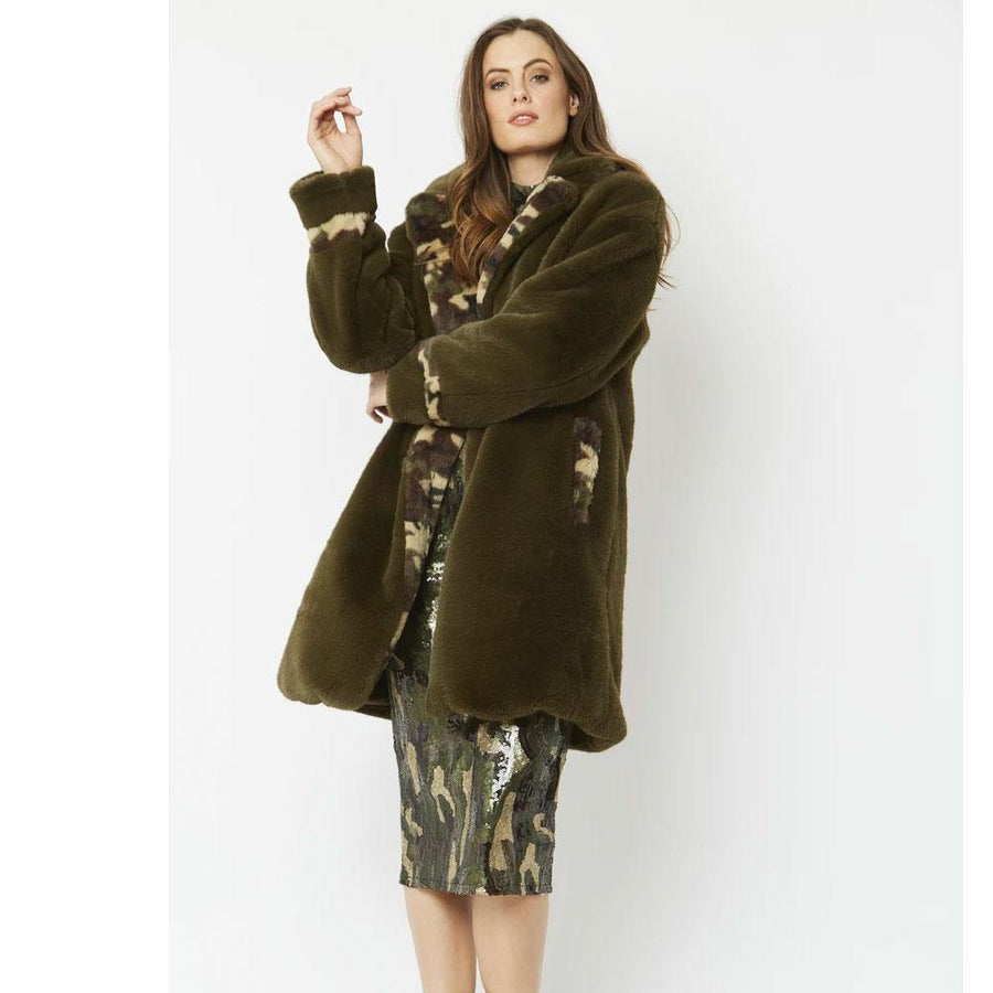jayley camo oversized faux fur coat