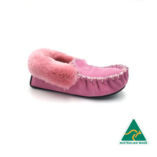Load image into Gallery viewer, Pink Moccasins