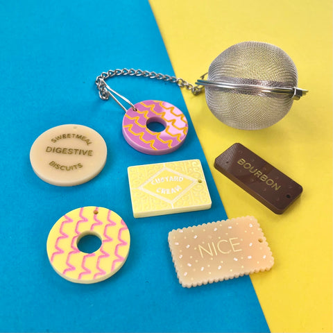 Biscuit Charm Tea Infuser