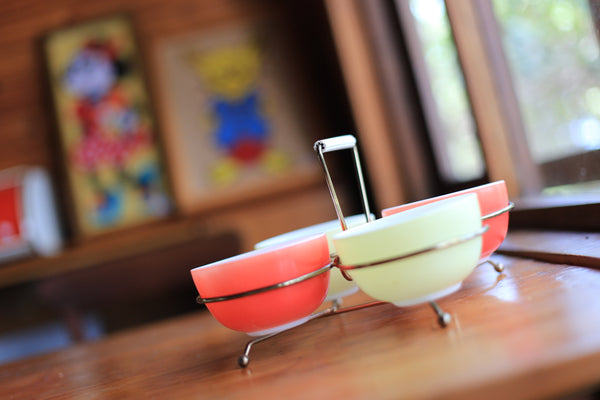 Set of Retro Pyrex Condiment Bowls