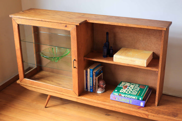 Retro Shelving Unit