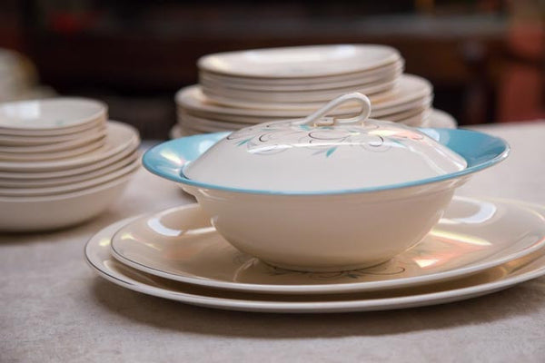 Johnson Brothers Dinner Set