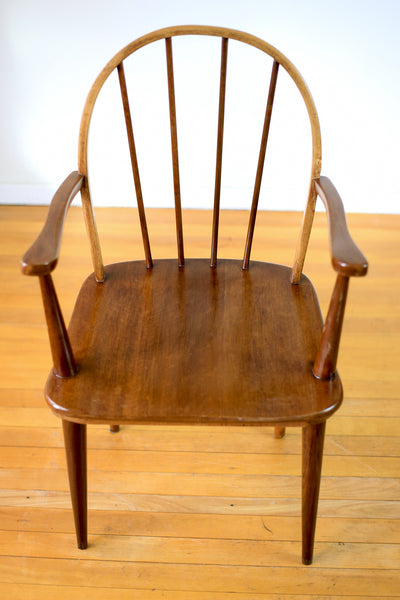 A Bow Back Carver by E.E. Meyer for Binnehuis