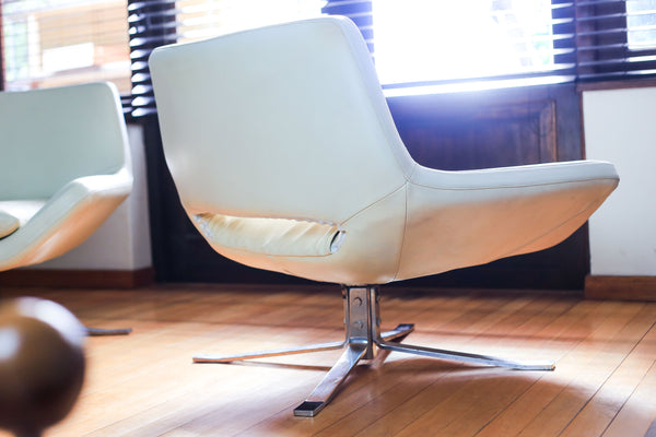 Modern Italian Swivel Chair