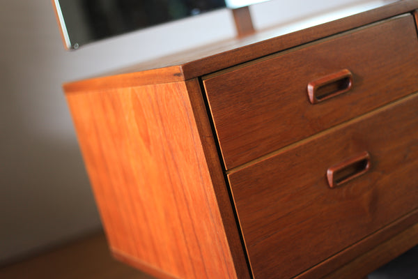 Mid Century Modern Dressing Table