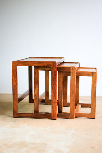 MCM Nest of Tables