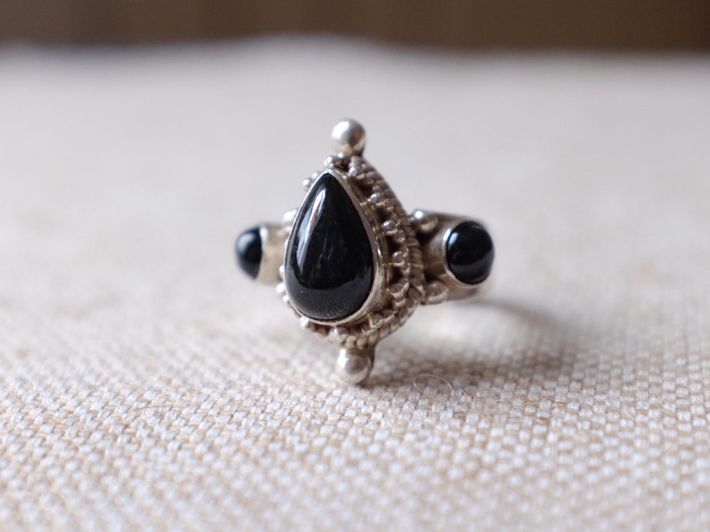 ONYX QUEEN ring