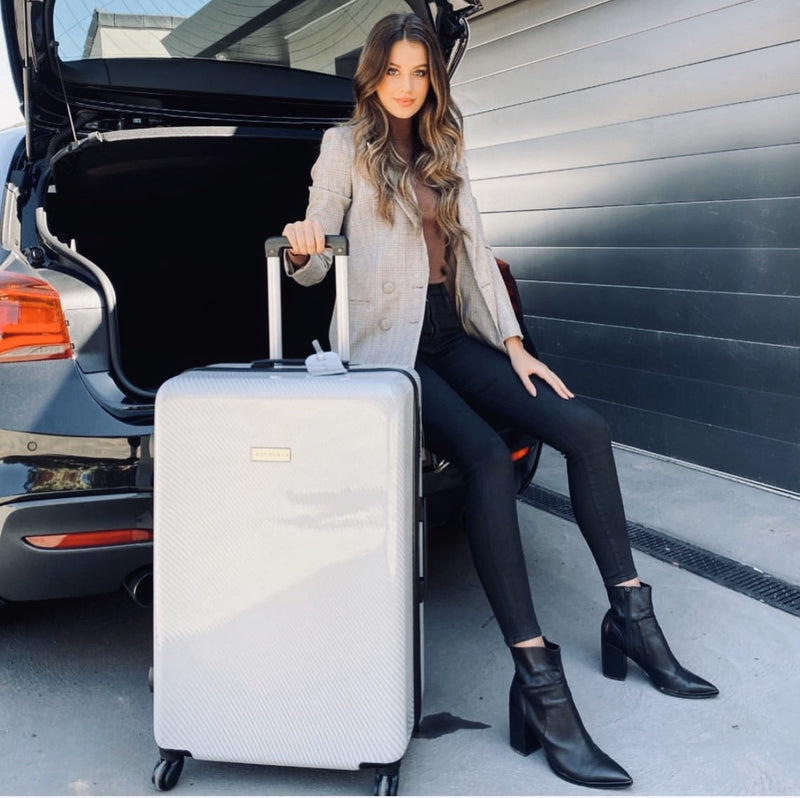 "Carbon White Series 28"" Large Suitcase"