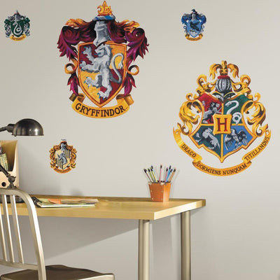 Hogwarts Crest Giant Wall Decals roomset