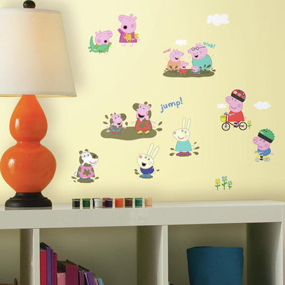 Peppa Pig Peel and Stick Wall Decals roomset
