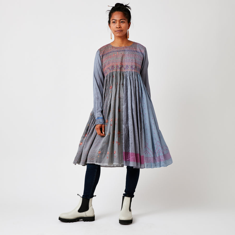 Injiri Embroidered Grey Dress