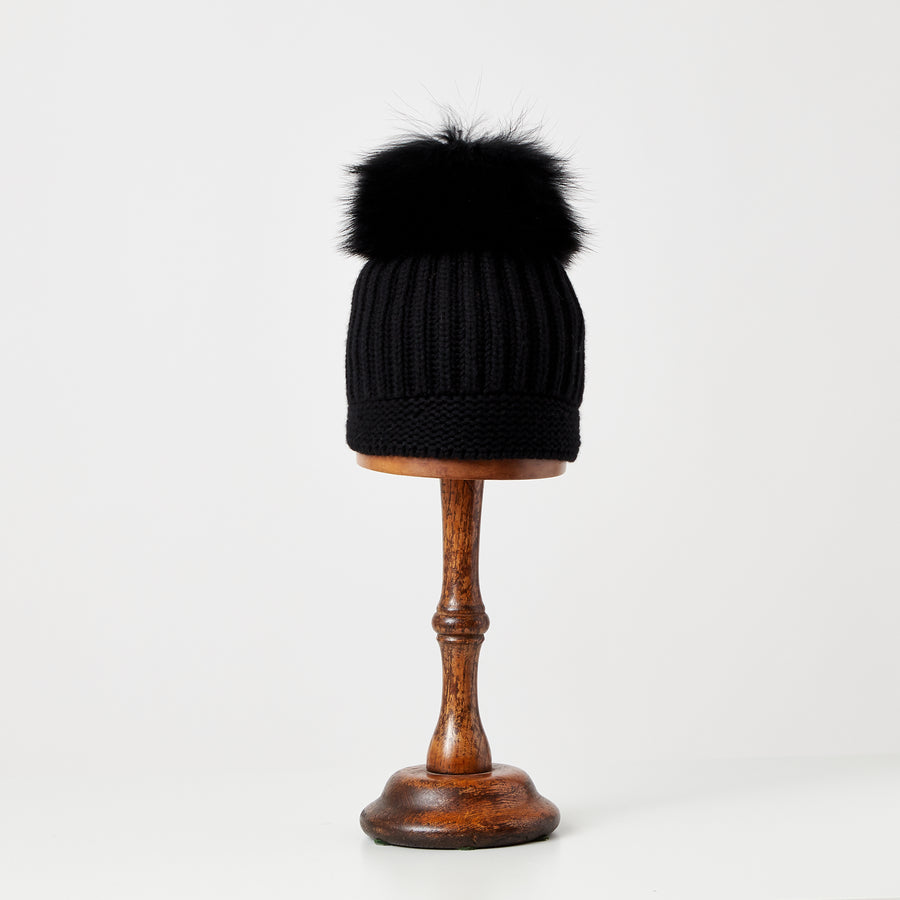 Hat with Pompom | Black