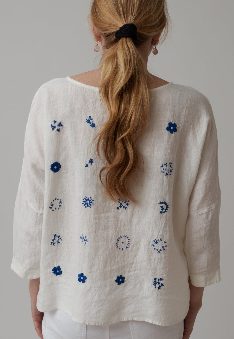 AO Dress Embroidered Top