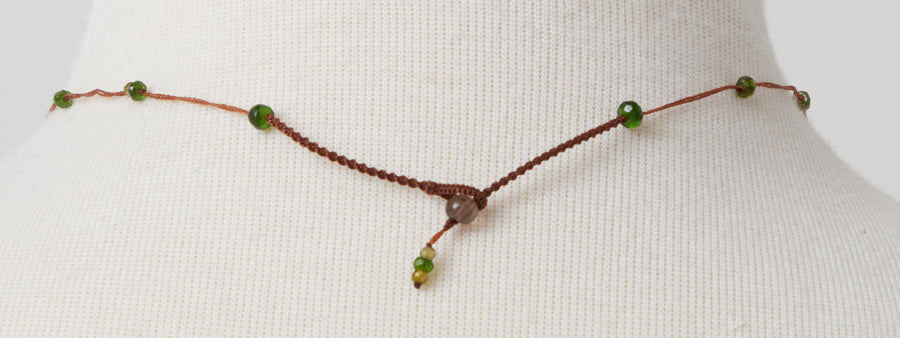 Short Necklace with Green Quartz