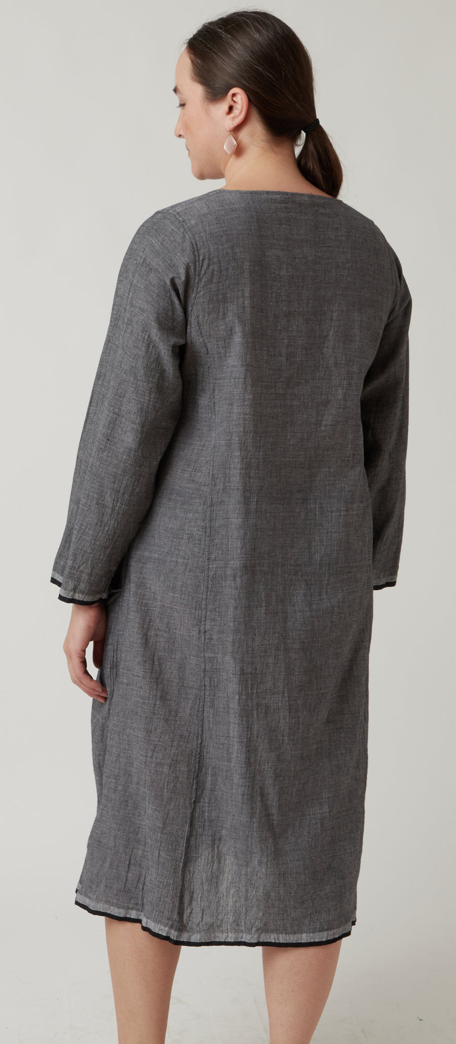 Injiri Grey Long Sleeved Dress