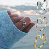 Kelly Wavy Ring