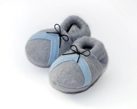 Snuggly's Baby Booties Trainer
