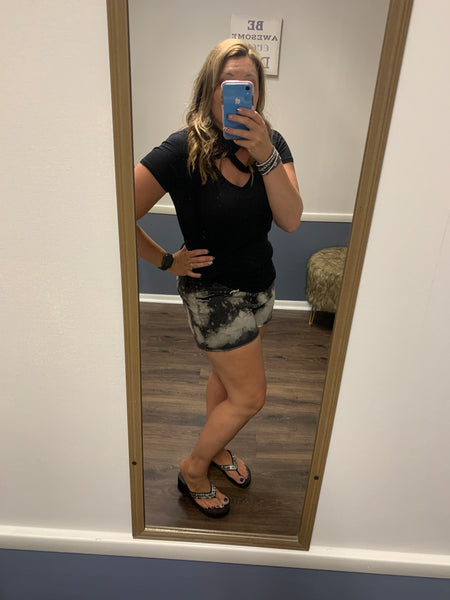 Curvy/Plus Black Bleached Shorts