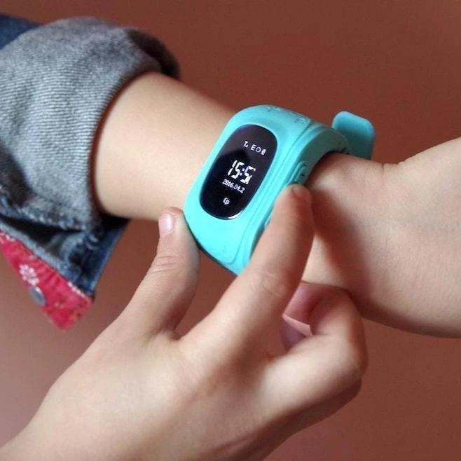 Bestsellrz® Children Locator Tracker GPS Watch that Allows Call Texting - Qinitor™ Kids GPS Watch Blue Qinitor™