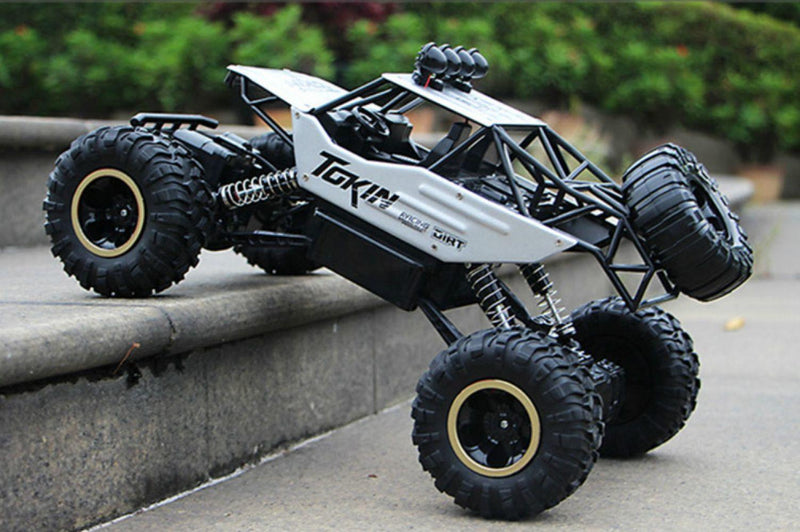 Bestsellrz® Remote Control Race Car RC Rock Crawler Electric Truck - Turboxo™ Remote Control Monster Trucks White - 37 cm Turboxo™