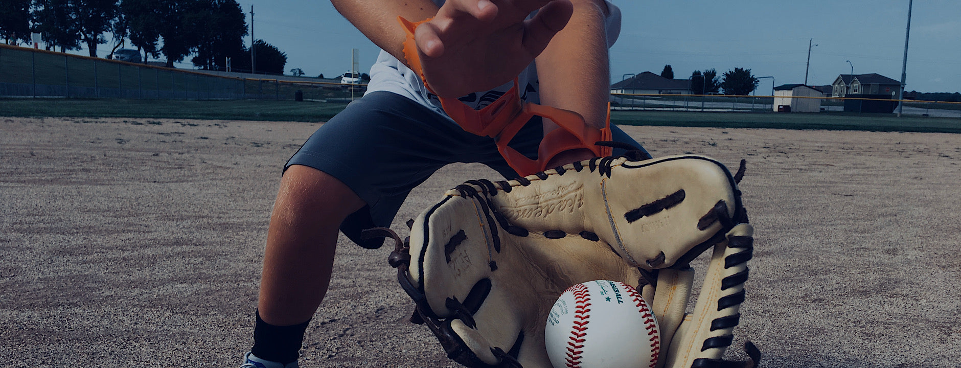Re-Link two hands fielding aid helps players learn to field with two hands while using their own equipment. It also allows a player to still work on one handed training.