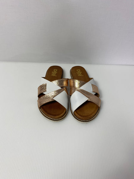 Diba Flat Sandals Whit & Gold Supported Soles 8.5