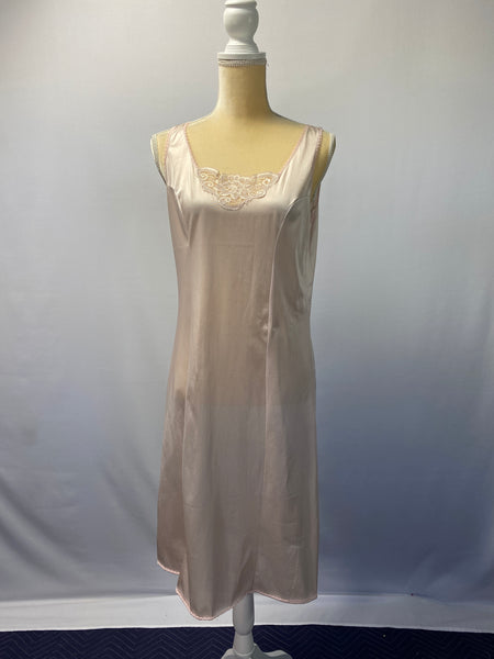 Improved Living Warren, PA Slip/ Night-Dress SZ M