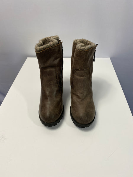Target Ankle All Weather Boots Brown SZ 9.5