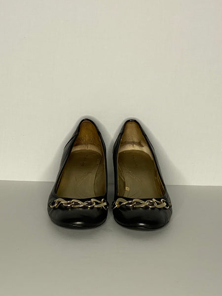 Tahari Platform Shoes Black With Gold Chain 9M