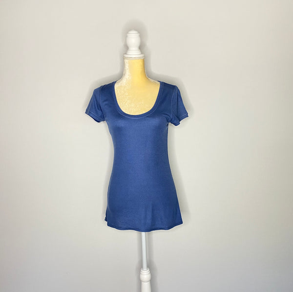 BCBGMAXAZARIA Top/ TeeS Short Sleeves Blue NWT M