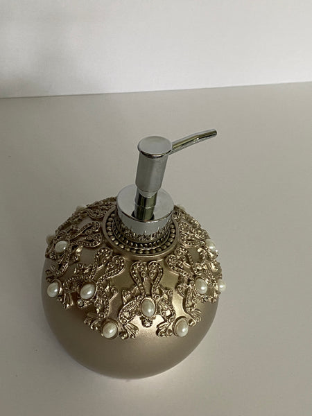Nanette Lepore Soap Dispenser Shinny Silver Pearls