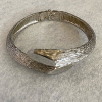 Fashion Bangle Silver Tone With Hinge Inside 6""