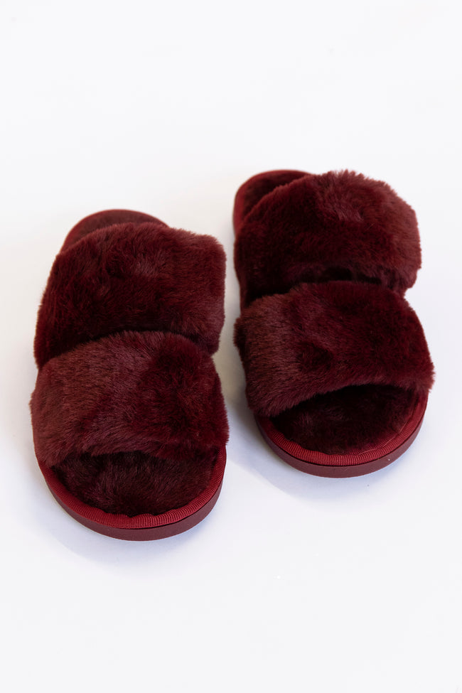 Goodnight Dreams Fuzzy Burgundy Slippers DOORBUSTER
