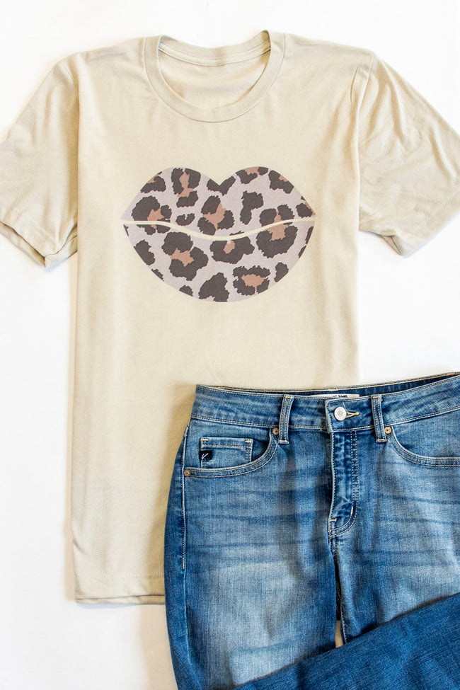 Leopard Lips Graphic Heather Dust Tee