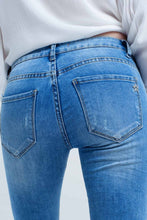 Load image into Gallery viewer, Jeans With Rips and Wrinkles