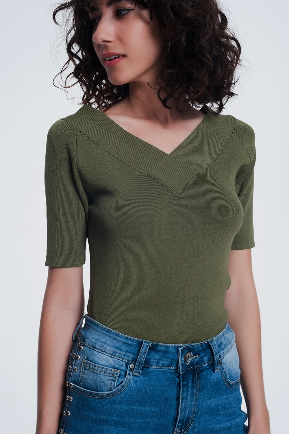 Khaki Sweater With v Neck and Short Sleeves