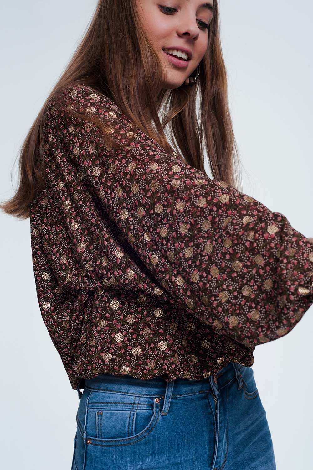 Blouse in Brown With Flower Print