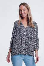 Load image into Gallery viewer, Black Printed Blouse With v Neck