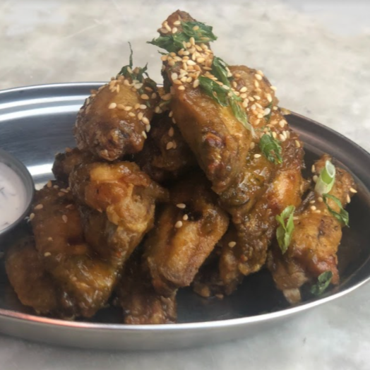 Neon Commissary® Chicken Wings 1lb