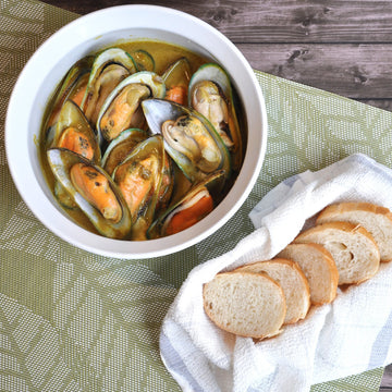 Basil Box® Vietnamese Yellow Curry Mussels 454g