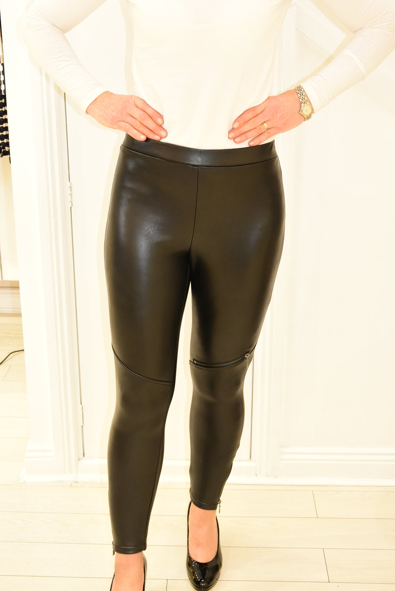 Joseph Ribkoff Leather Feel Pant With Zips