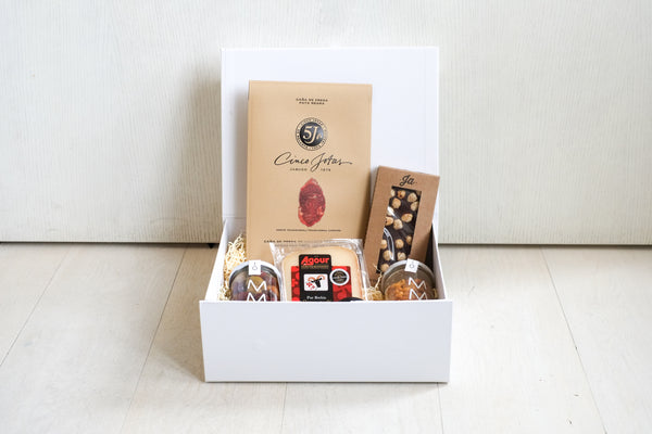 The Concha Bay Gift Box