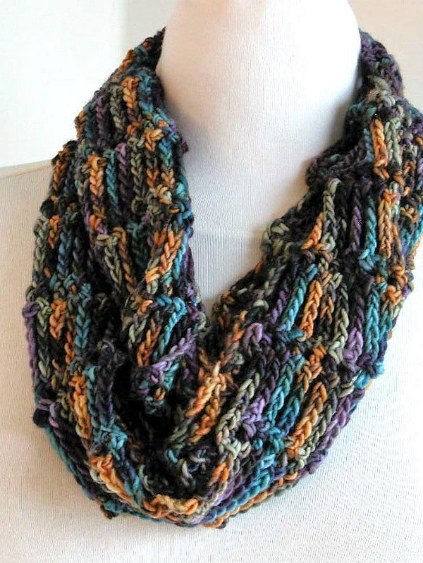 Crochet Basics: Mostly Chains Cowl - Saturday Dec 14, 10:30am to 12:30pm